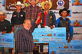 Peão de Andirá conquista 3º lugar no rodeio profissional da 7ª FACIA